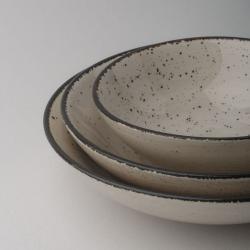 Bowl Ø 21.5 cm H: 5.5 cm - Gaya Atelier light grey speckled