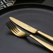 Glamour dinner? What about tonight? 💑 . #goldencutlery #cookware #kitchenware #fork #kitchenknife #solaswitzerland #solaswiss